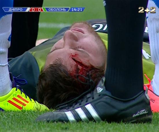 футболисты с сильным ударом