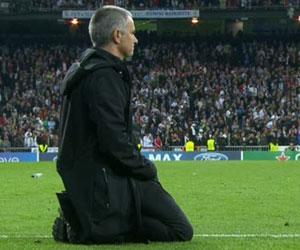 http://terrikon.com/i/coach/port/h/th-300-mourinho300_koleni.jpg
